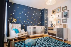 mixed baby room in 43 indoor photos! The mixed baby room in 43 indoor photos! The mixed baby room in 43 indoor photos! Gold Stella/Night Blue Wallpaper image 0 Gold Stars Wall Decals Pack Peel and Stick Confetti Wall Beige Nursery, Sky Nursery, Boys Bedroom Paint, Baby Bedroom, Baby Boy Rooms, Baby Boy Nurseries, Green Shelves, Baby Painting, Trendy Bedroom