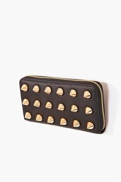 jennifer hudson- hit you my pocketbook Fashion Bags, Fashion Accessories, Hippy Chic, Fashion Merchandising, Studded Clutch, Pin Up, Goodie Bags, Classy And Fabulous, Fall Trends