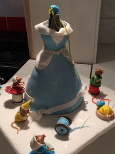 Kiera's Cinderella cake by DeniceGregory