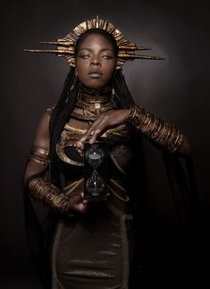 See The Jaw Dropping Editorial By Fantasy Photography Lillian Lui Titled 'Golden Goddess' Artistic Fashion Photography, Fantasy Photography, Boris Vallejo, Afro Punk, Art Goth, Painting Tattoo, Body Painting, Vampire Art, Poses References
