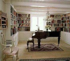 Piano y biblioteca... Ummm qué gozada