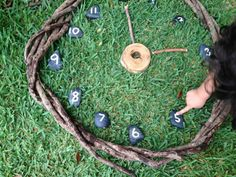 A natural clock from Puzzles Family Day Care () - Outdoor Clocks - Ideas of Outdoor Clocks Outdoor Education, Outdoor Learning, Home Learning, Maths Eyfs, Literacy And Numeracy, Outdoor Classroom, Outdoor School, Reggio, Play Area Garden