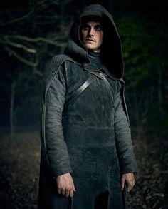 Nova série do Netflix - Cursed - Alfa Nerd Series Movies, Movies And Tv Shows, Tv Series, Netflix Releases, Shows On Netflix, Frank Miller, Daniel Sharman Teen Wolf, Meninos Teen Wolf, Gustaf Skarsgard