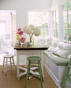 I want a breakfast table bench! Beautiful!