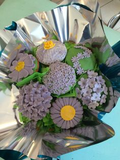 Flower cupcake bouquet