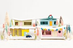 🌟Tante S!fr@ loves this pin🌟 DIY Christms Village Mid-Century Putz Houses Christmas Town, Christmas Villages, Christmas Holidays, Christmas Ornaments, Christmas Ideas, Happy Holidays, Holiday Ideas, Christmas Goodies, Diy Christmas Village Houses