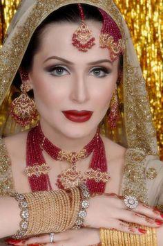 Mariam's Bridal Salon Lahore – Complete Details Beautiful Muslim Women, Beautiful Bride, Beautiful Outfits, Beautiful Eyes, Bridal Jewellery Inspiration, Bridal Jewelry, Pakistani Bridal Wear, Pakistani Jewelry, Muslim Women Fashion