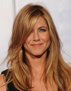 I want a hair cut like this...but brunette. of course.