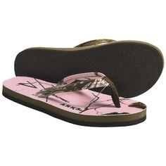 camo flip flops!!!!!! Yah judy ! We can use those this season! Soooooooooo exited!