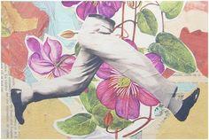 entre flores con los piés, sin cabeza y al revés- Keep Calm Gallery
