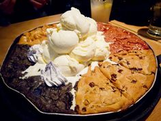May we take a second to appreciate God's gift to mankind, otherwise known as the pizookie.