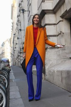 Ladies winter coat, why not in a flash of color?- Wintermantel Damen, warum denn nicht im einer grellen Farbe? Fashion Mode, Look Fashion, Daily Fashion, Autumn Fashion, Womens Fashion, Fashion Trends, Paris Fashion, Street Fashion, Fashion Lookbook