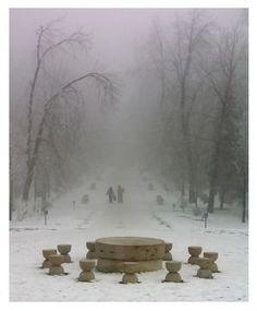 Table of Silence by Constantin Brancusi, Targu Jiu, Romania Alberto Giacometti, Auguste Rodin, Land Art, Modern Sculpture, Sculpture Art, Brancusi Sculpture, Nam June Paik, Eva Hesse, Constantin Brancusi