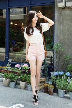 short pastel rosa