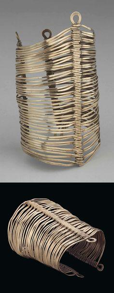 Bracelet | Alexander Calder. Brass wire. ca. 1940 | Est. 60'000 - 80'000$ ~ (Mar '15)