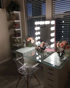 picks pretty pink to accent her in this lovely vanity station and we just can't help but love it! Featured: Impressions Vanity Glow XL in Rose Gold with Frosted LED Bulbs Rangement Makeup, Diy Makeup Vanity, Makeup Vanities, Vanity Room, Bedroom Vanities, Closet Vanity, Vanity Design, Glam Room, Makeup Rooms
