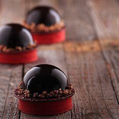 By @chefjoypelo  #patisserieboutique #pastry #patisserie #pastryart #pâtisserie #pastrychef #chef #cute #chefs #cheflife #pastrychef #like4like #likeforlike #lol #loveit #amor #amazingview #pastel #picoftheday #foodpic #food #bestoftheday#chocolate #jimmychoo #hotchocolate #okmycake #cake #instacake #birthdaycake by okmycake