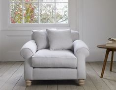 i.pinimg.com 736x a9 e8 2b a9e82b9d289bc5de991afb1725e51c2b--sofa-shop-linen-fabric.jpg