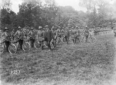 Nz History, History Online, Battle Of Messines, Black N White Images, Black And White, Lest We Forget, World War One, Troops