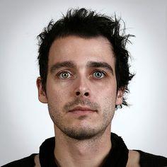 Fotografias revelam as semelhanças de pessoas da mesma família Irmãos: Christopher, 30, & Ulric, 29