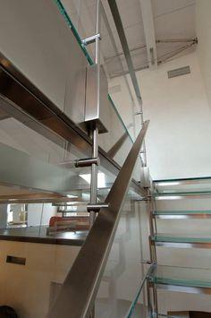 scala acciaio e cristallo In #Toscana #scala #stairs #stainlesssteel #glassstaircase #interiordsign #architecture http://ift.tt/1YBMLmj