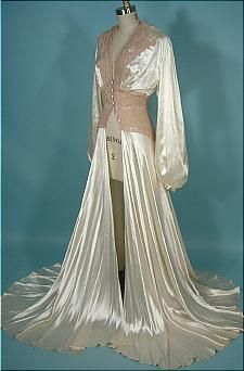 c. 1940's Rayon Satin Candlelight and Pinky-Beige Lace Dressing Gown! Worthy of a Hollywood Siren