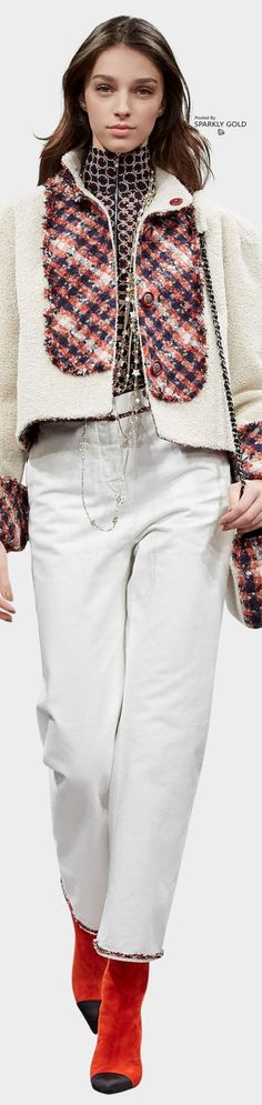 www.2locos.com Chanel Pre-Fall 2017 Lookbook
