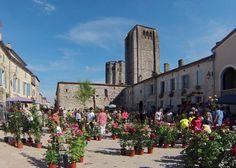 La Romieu (Gers) – Le marché aux roses - Der Rosenmarkt de Jifasch32