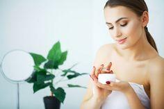 Remedios naturales para eliminar el acné en pecho, hombros y espalda — Mejor con Salud Stock Image, Tips Belleza, Moisturizer, Beautiful Women, Skin Care, Healthy, Close Up, Vida Natural, San Pablo