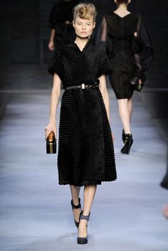 Fendi | Fall 2010 Ready-to-Wear Collection