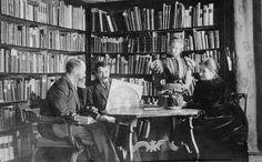 Aby Warburg in Florence c. 1900 via Warburg Institute website