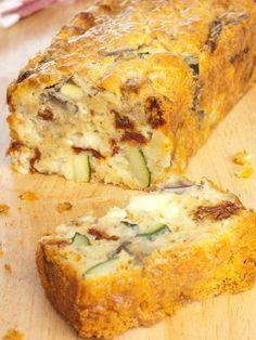 Cake sans gluten mozzarella et légumes du soleil