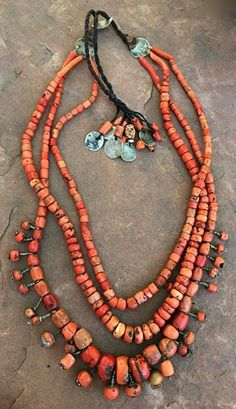 Antique undyed Mediterranean coral beads found in Morocco, some of which were wired as hair beads. Closure of very old Moroccan coins. Coral Jewelry, Tribal Jewelry, Boho Jewelry, Jewelry Art, Beaded Jewelry, Jewelery, Jewelry Accessories, Jewelry Necklaces, Handmade Jewelry