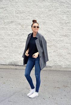 Jeans,converse ,blackshirt