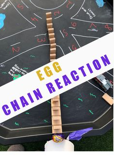 Egg chain reactions for kids - Easter STEM Challenge for kids Preschool Science Activities, Easy Science Experiments, Steam Activities, Easter Activities, Chemistry For Kids, Science For Kids, Easy Easter Crafts, Fun Learning, Early Learning