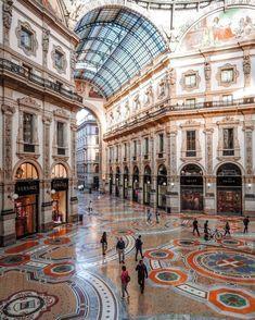 Galería Victor Manuel II. Milánpic.twitter.com/VYVyudY5PY