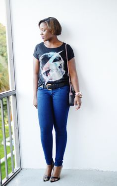 graphic tee skinny jeans outfit 3 Graphic