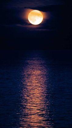 Moon-over-wavy-water.jpg 366×650 pixels