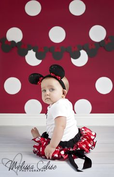 Melissa Calise Photography (First Birthday Baby Girl Minnie Mouse Red White Polka Dots Posing Ideas Photo Shoot)