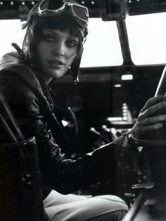 "Heidi Mount in ""Fashion Takes Flight"" by Peter Lindbergh for Harper's Bazaar US July 2009"