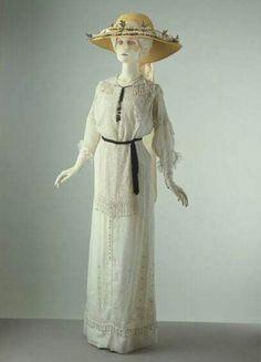 1910 summer day dress.