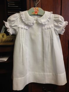 Pinner said: Just finished this little dress,inspired by an old baby dress I… Little Girl Dresses, Girls Dresses, Baby Dresses, Frocks And Gowns, Kids Outfits, Cool Outfits, Baby Girl Patterns, Baby Sewing Projects, Christening Gowns