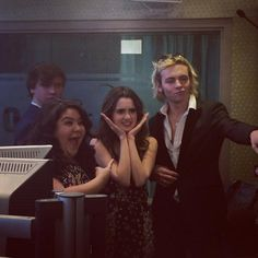 What a fun sight to see the cast of Austin & Ally together on Monday (January 4, 2016). Raini Rodriguez, Calum Worthy, Ross Lynch and Laura Marano spent