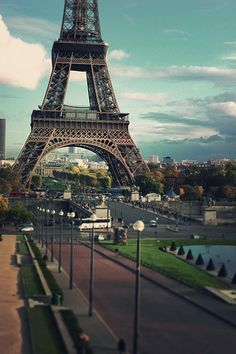 Paris...On the Way to the Eiffel Tower! #LIFECommunity #Favorites From Pin Board #31