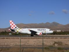 Canary Islands Spotting....Spotters..Aviones : EI-FMY  Airbus A319-111 @volotea @Volotea_ES #Fuer...