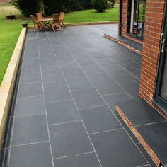 jack Natural Paving 'Classicstone' Carbon Black Kadapha Paving Slabs Ornaments To Decorate PVC And W Paving Stone Patio, Outdoor Paving, Slate Patio, Patio Slabs, Brick Patios, Driveway Paving, Limestone Paving, Walkway, Slate Paving Slabs