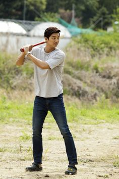 Gong Yoo (공유) - Picture @ HanCinema :: The Korean Movie and Drama Database