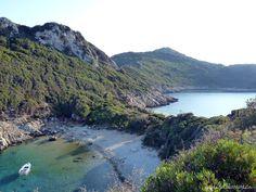 Doppelbucht bei Afionas, Corfu | Gelbkariert
