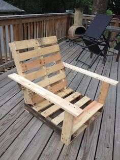 Pallet chair I built, built another with legs