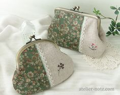 bolsos puntilla Diy Bag Crafts, Embroidery Purse, Coin Purse Tutorial, Origami Bag, Diy Bags Purses, Frame Purse, Patchwork Bags, Purse Patterns, Fabric Bags